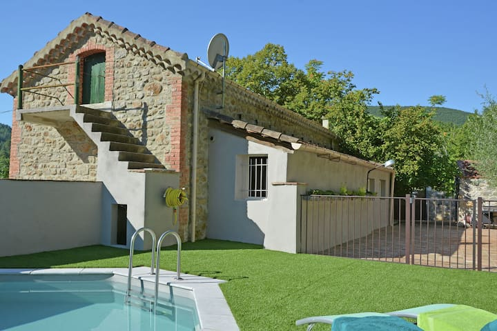 A true gem with private swimming pool near the Ardèche, very close to the river