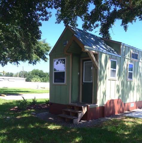 Legoland Lakefront TinyHouse w/ boat - Winter Haven - Hus