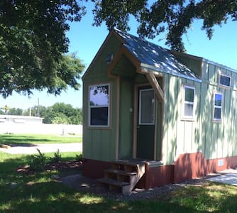 Legoland Lakefront TinyHouse w/ boat - Winter Haven - Haus