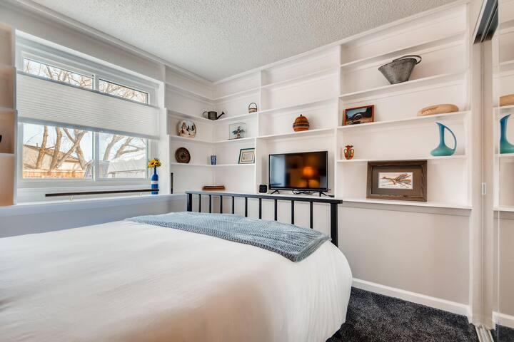 Guest Bedroom (down)