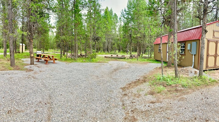 Private 1.5 acre RV lot-Power-Water-near YNP
