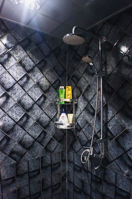 一楼淋浴房