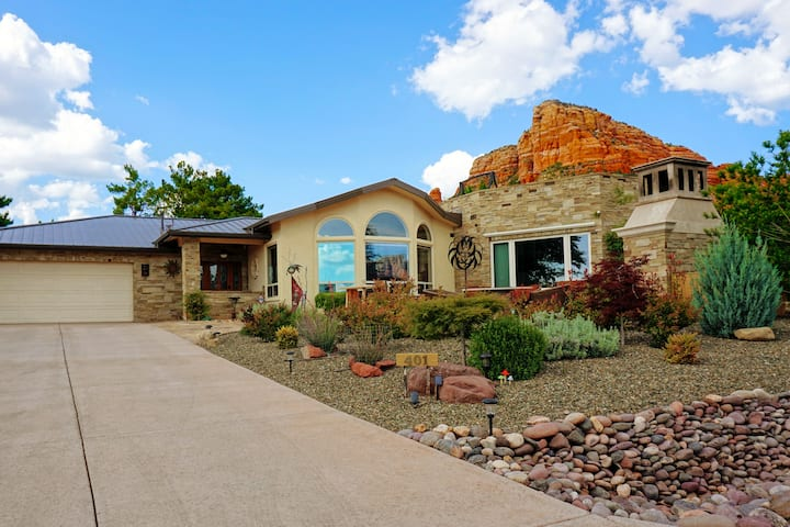Beautiful 2 bedroom, 2 bath home. Heart of Sedona.