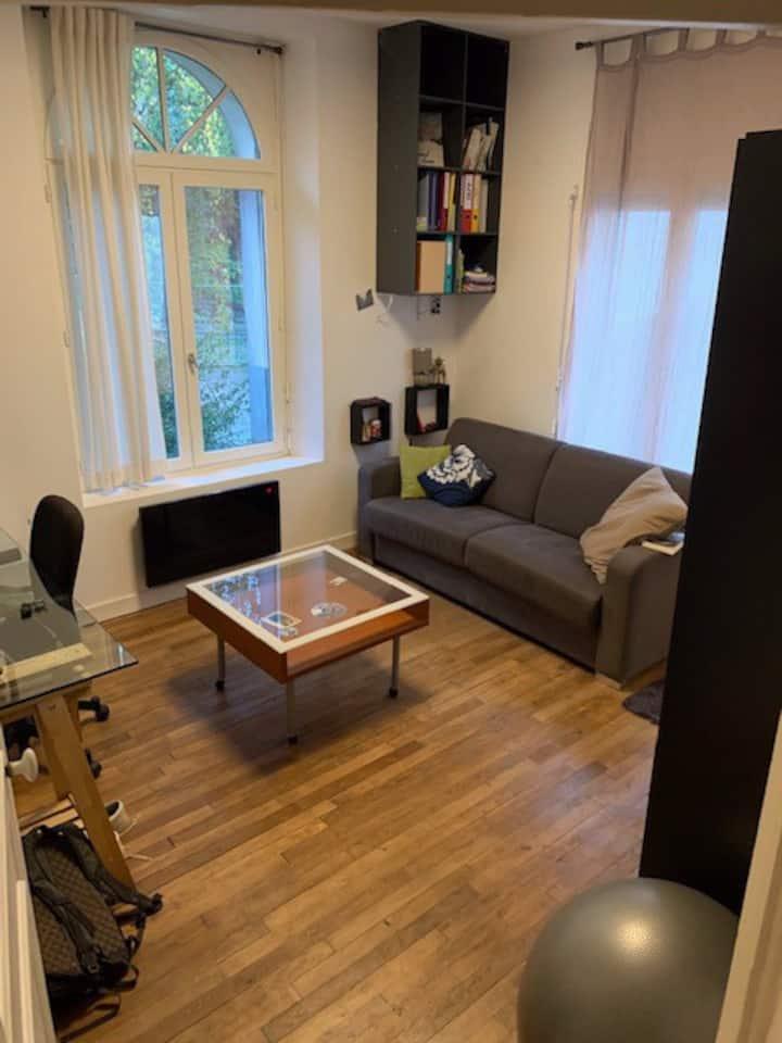 Chambre (étudiant) dans T2 et espace de coworking