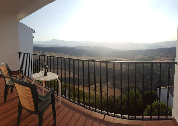 BBEST VIEWS & LOCATION in town Opening offer!! - Ronda - Apartamento