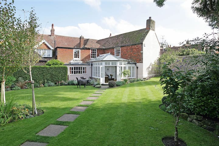 Luxurious home in historic village - Alfriston - Huis