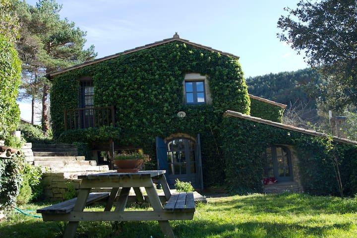 Preciosa Masia del S. XVIII  - Sant Martí de Centelles - Rumah