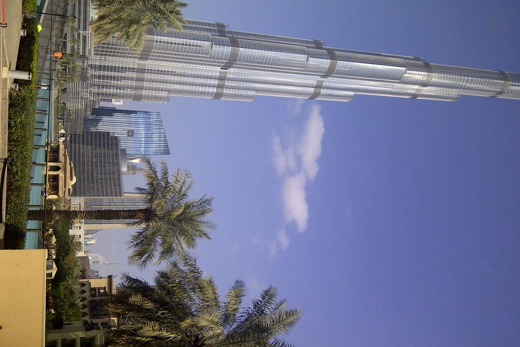 100 metre walk to the famous tallest tower in the world, Burj khalifa tower.