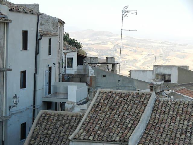Residenza Rocca Augusta - Sutera - Huis