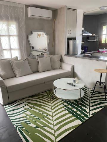 comfy place @great location terrace & new a/c unit