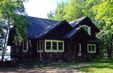 Story Book Vintage Northwoods Lodge