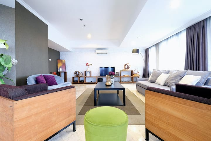 4BR COZY TROPICAL RETREAT PENTHOUSE JAKARTA