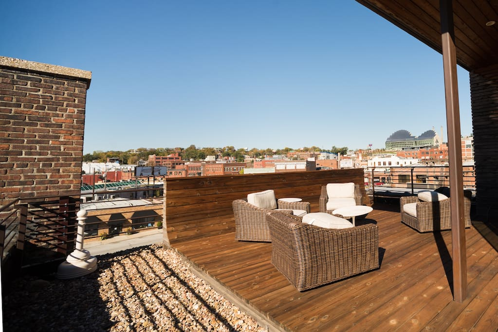 Rooftop Patio with incredible views!