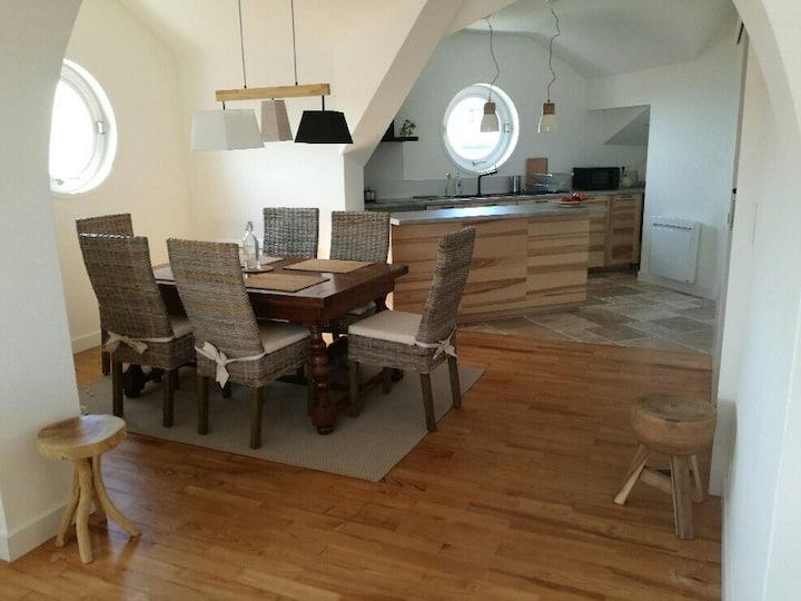 belle Residence 90 m2, vue sur plage et montagnes