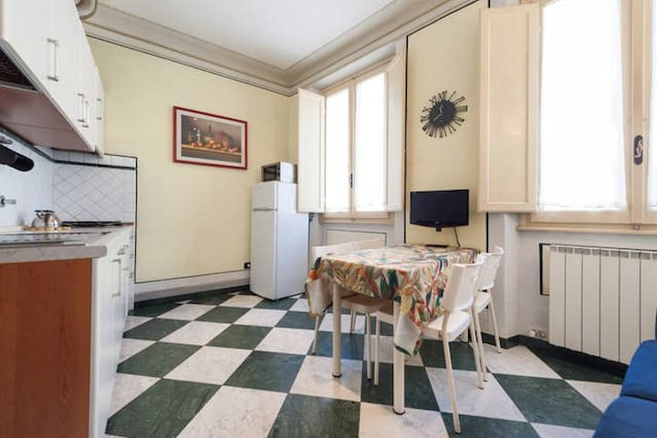 Huge Apartment 1min. to Central St - Firenze - Apartment