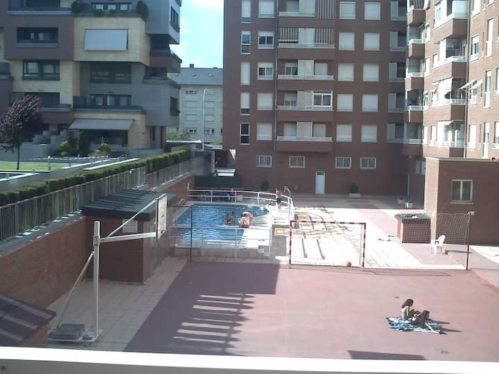 Amplio piso en Logroño ,garaje ,wifi,piscina