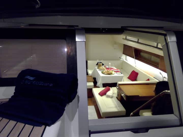 Barco de luxo exclusivo Cascais