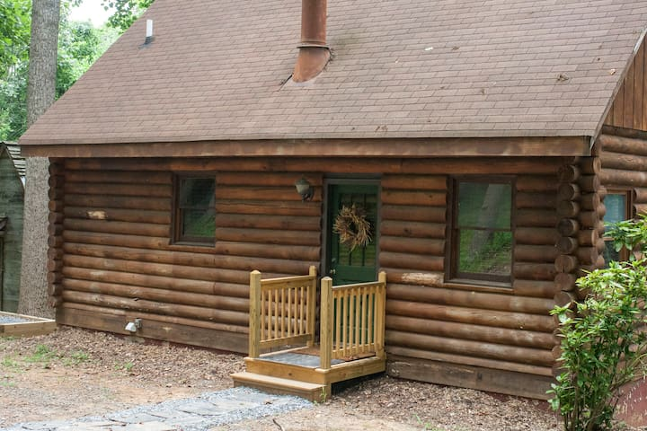 Secluded Cabin, 7 Acres James River - Madison Heights - Chatka
