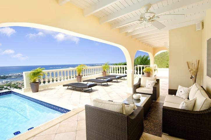 Villa Vista - Ideal for Couples and Families, Beautiful Pool and Beach - Cole Bay