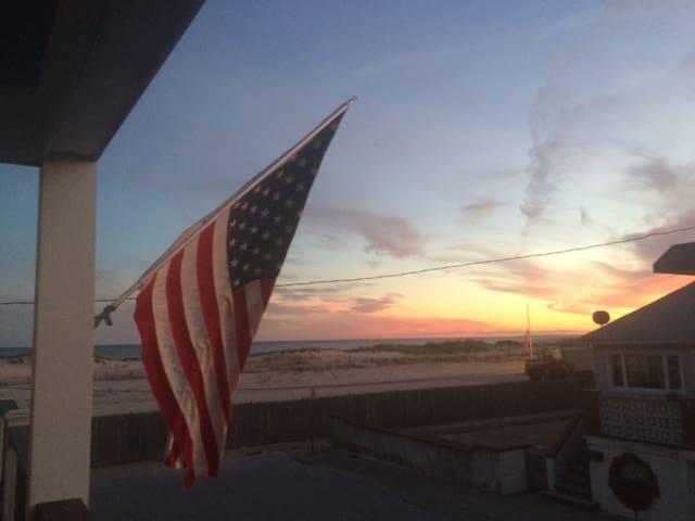 Long Beach Perfect Beach Oasis - East Atlantic Beach - Ev