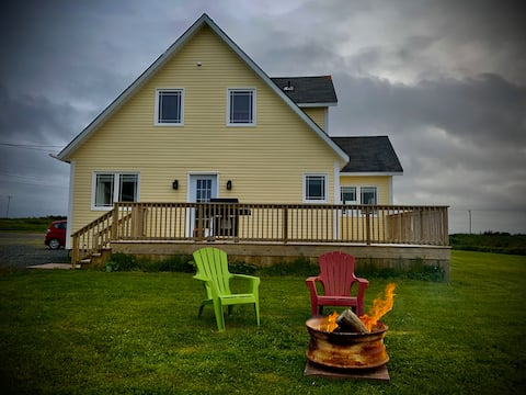 ★HILLTOP COTTAGE Panoramic Placentia View★DECK,BBQ