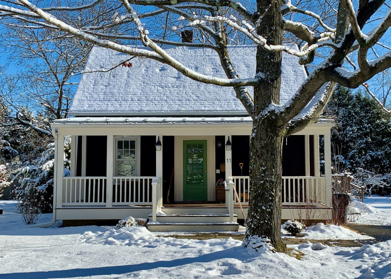 Perfect ski rental - Laurel Cottage is less than 2 miles from Butternut!