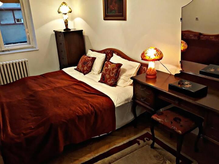 Fancy-retro apartment70m2
