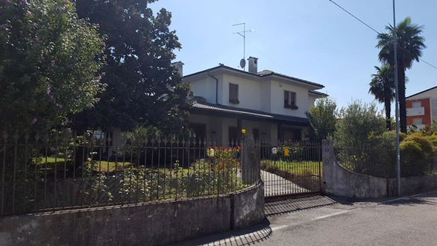 Villa a Creazzo