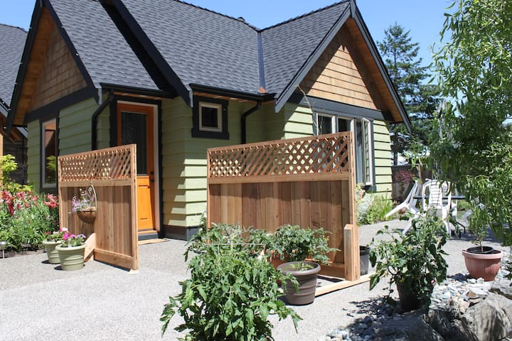 Eagle's Aerie Vacation Cottage