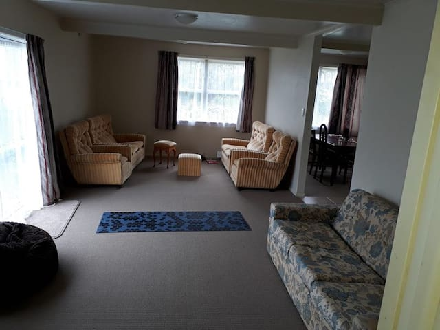 A Fully Furnished Single Bedroom - Short Term