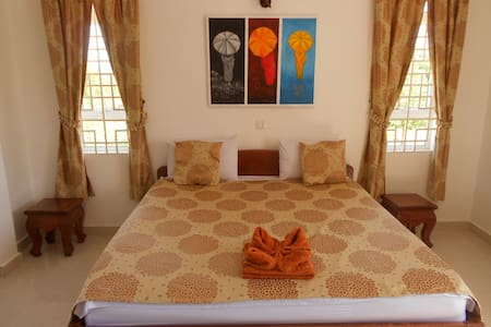 Rooms with sea view in a Villa - Krong Preah Sihanouk - Pousada