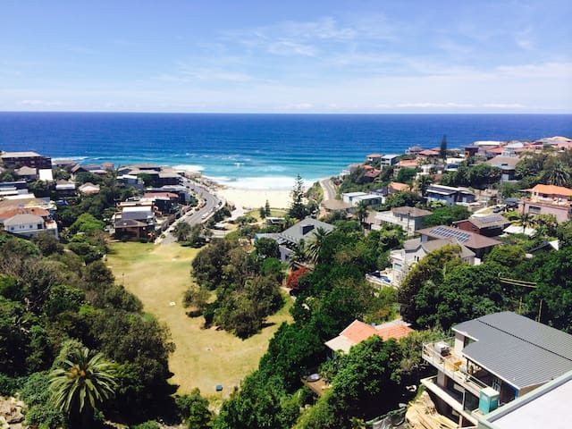 Beach Pad with superb views - Tamarama - Appartamento