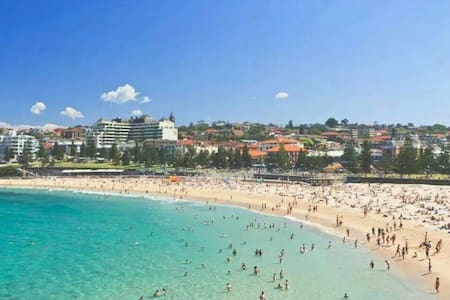 2 bedrooms 50m from the beach! - Coogee