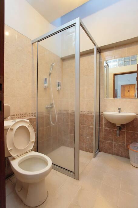The Bathroom (Private)