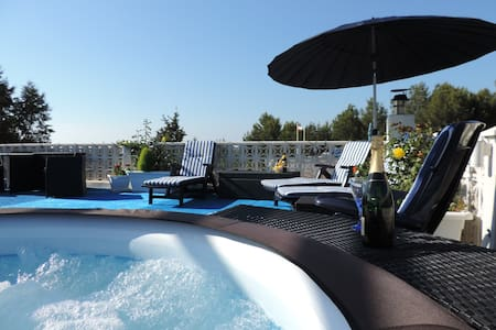 Romantic Rooftop with Whirlpool