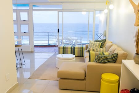Tasteful & modern seaside apartment - Dolphin Coast