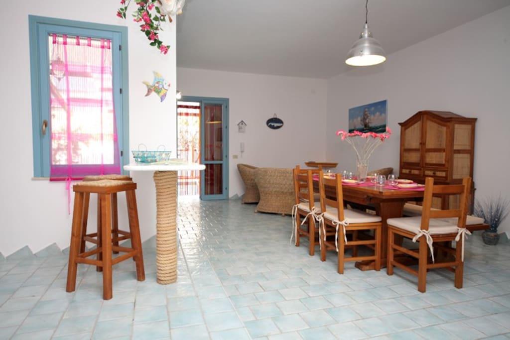 Zona living-soggiorno/Sala da pranzo