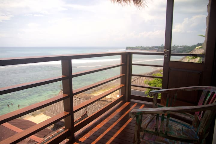 Ocean Front Suite with Private Balcony 1 - Kuta Selatan - Appartement