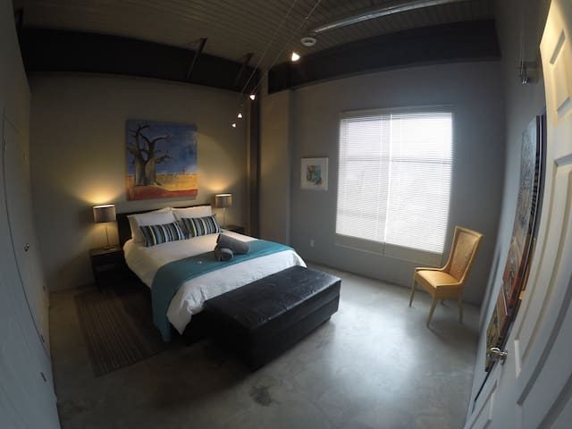 The Artists Loft - Arnprior - Huoneisto
