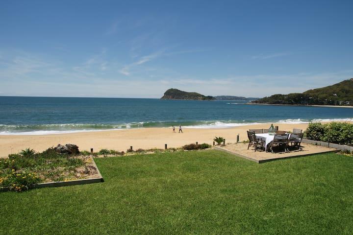 Absolute Beachfront - Pearl Beach - House