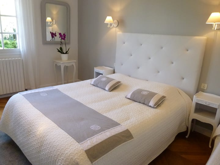 Chambre Double Supérieure - B&B -25 km Chartres