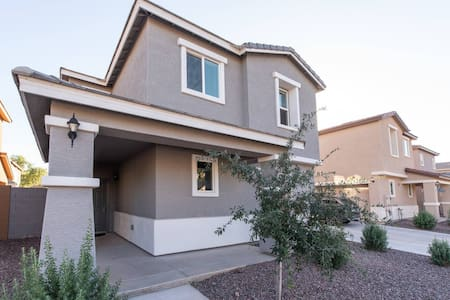 Brand New room 7mins from phx airport