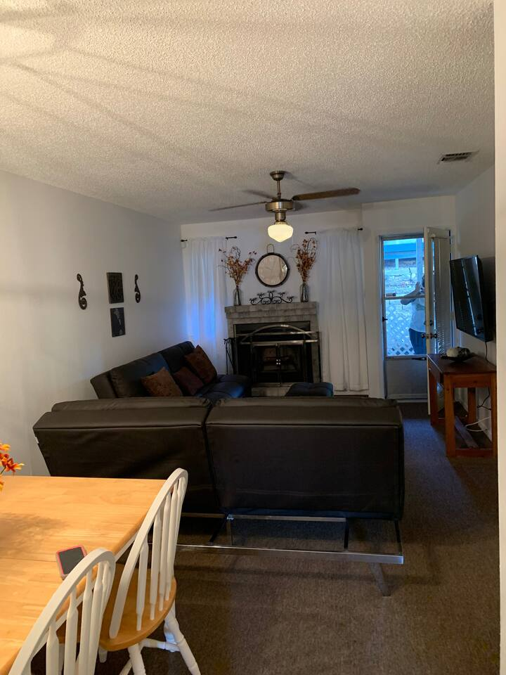 Two bedroom, two bath condo. CLOSE TO EVERYTHING!