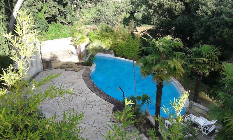 Mas provençal avec piscine au coeur de la forêt - Pont-Saint-Esprit - Timeshare