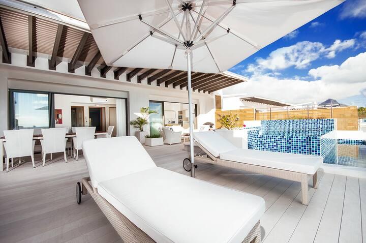 Cap Ouest 2 Bedrooms Penthouse by Dream Escapes