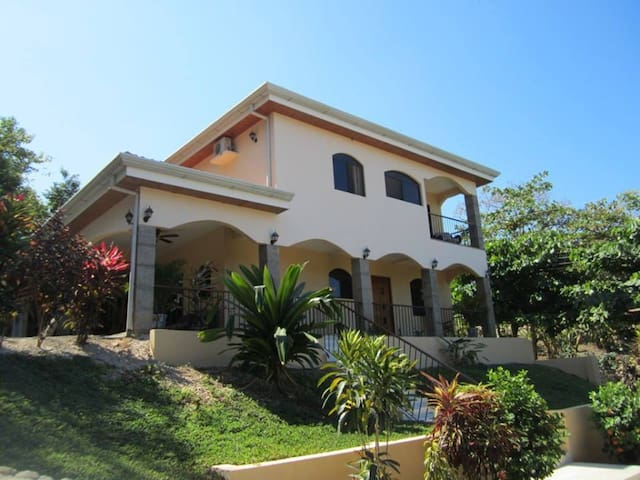 Casa de Mojo1(2 rooms avail/2 people max per room) - Playa Conchal - Huis