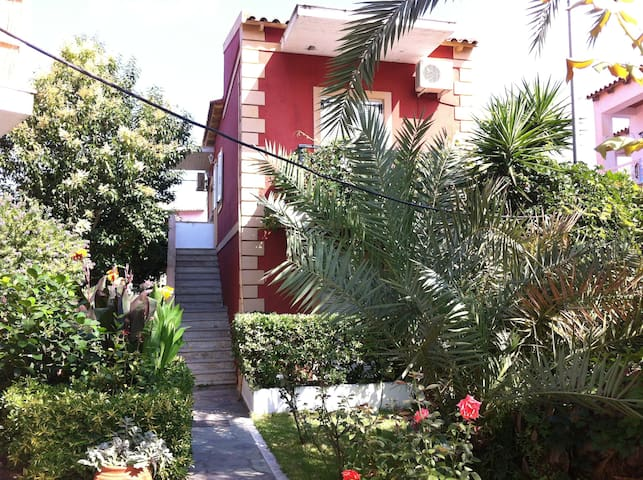 Ground floor apartment,300m. from the beach - Agios Georgios Pagon