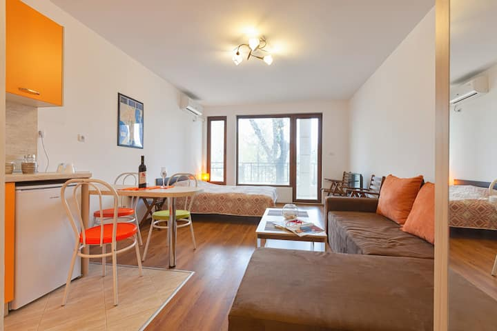 Natali Apartments 1, Studio 2fl, кв.Лазур, Бургас