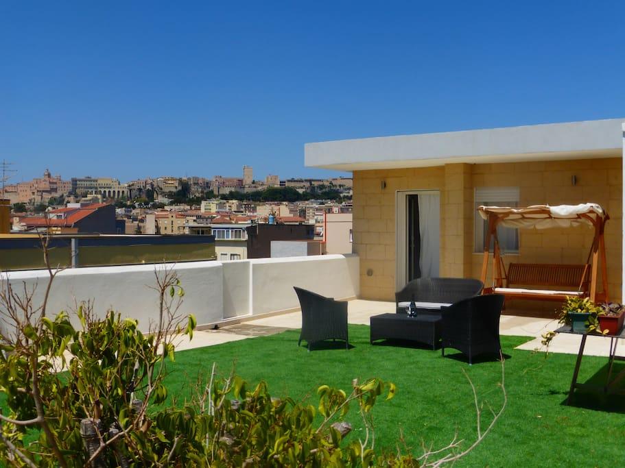 Il prato sul terrazzo apartments for rent in cagliari - Erba vera sul terrazzo ...