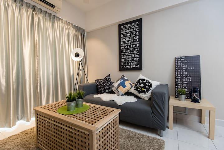 Comfy 2QueenBed@MainPlaceMall 2-6pax| FreeWifi|LRT - Subang Jaya - 公寓